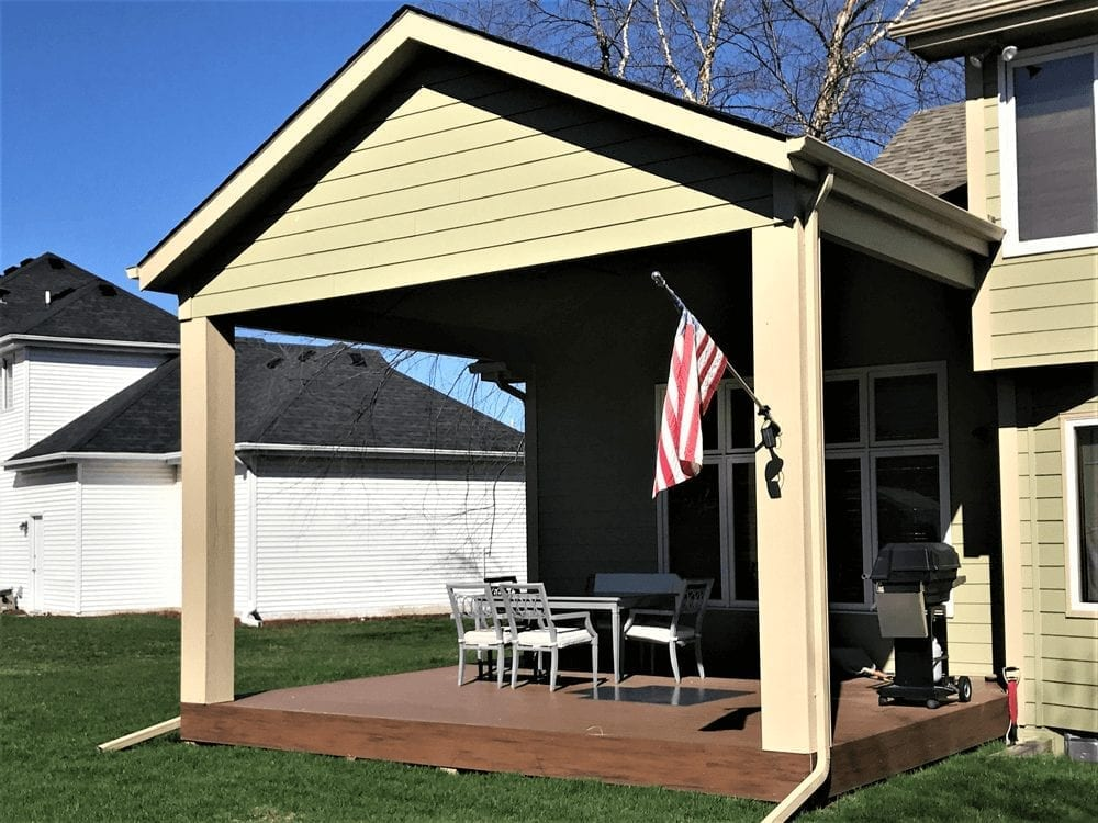 Des Moines Composite Covered Deck